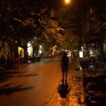 Uliczki Hanoi nocą