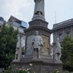 Pomnik Leonarda da Vinci naPiazza della Scala