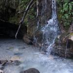 ... wodospad o.O jaskinia : )