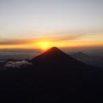 Wschód słońca nad wulkanem Agua