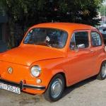 po drodze stary Fiat 500